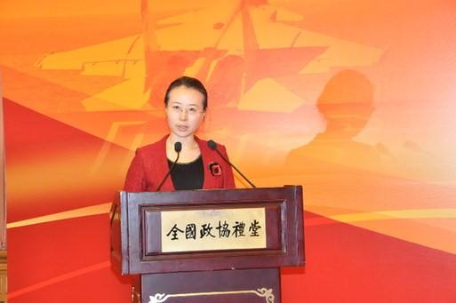 2013年1月23日,科技部办公厅宣传处处长郝蓉在中国科技记者年会上代表科技部向记者介绍2013年工作计划。