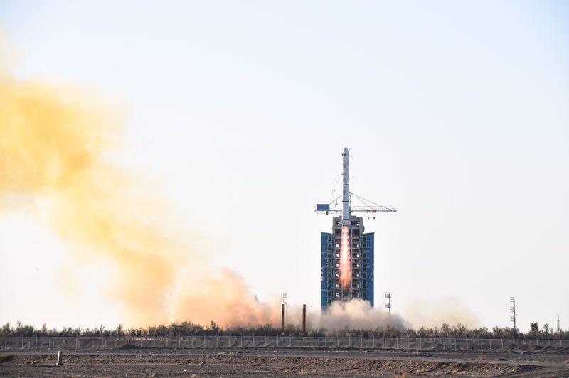中法两国合作研制的首颗卫星成功发射
