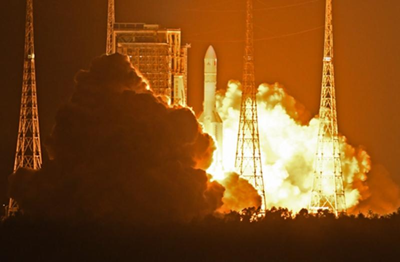 组图:长征五号遥三运载火箭发射圆满成功