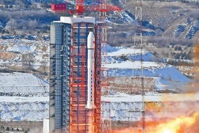 """""""人民一号""""卫星成功发射"""