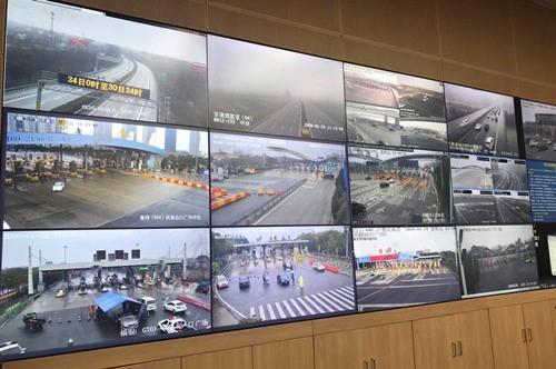 武汉周边高速公路出入口实行管制昨日约12.7万辆车进