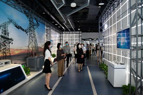 """国网信通产业集团""""媒体开放日"""":体验新基建""""黑科技"""""""
