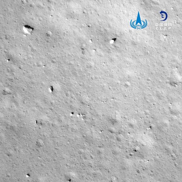 """嫦娥五号成功""""落月""""将开展月面采样工作"""
