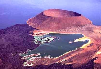 组图:火山的湖 图尔卡纳湖