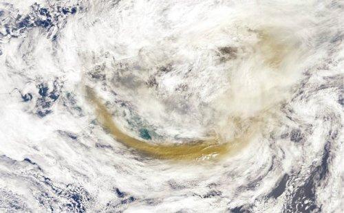 2,阿留申群岛火山喷发