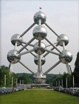 微观空间结构是9个铁原子