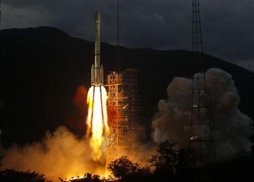 """""""嫦娥二号""""卫星发射成功"""